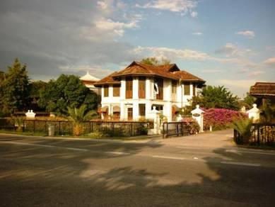 Prewar colonial heritage mansion / bungalow for rent