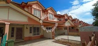 FACING LAKE 2 Storey House Impian Putra Bandar Seri Putra Bangi