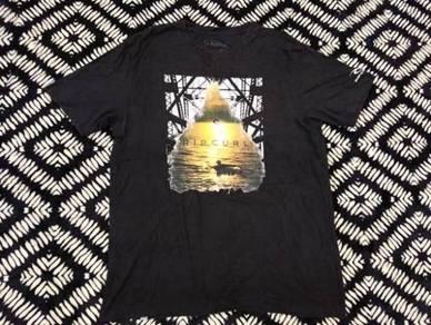 Ripcul t shirt sun set hitam size xl