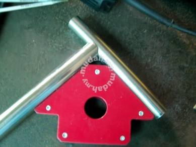 Magnetic welding holder ( 25 lbs small )