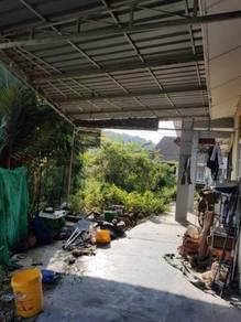 Single storey corner terrace house