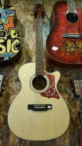 Crafter acoustic guitar with Crafter C4T EQ