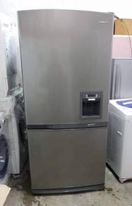 Samsung fridge with Dispenser Peti Sejuk Ais