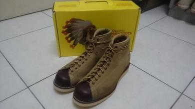 Chippewa bridgeman 2 tone monkey boots