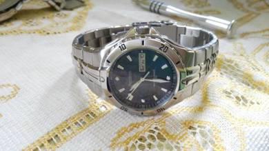 Jam tangan lelaki armitron