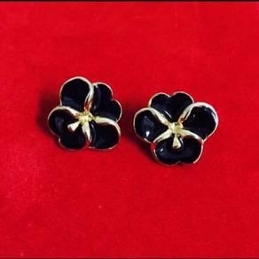 Fleur Earrings in gold tone