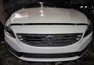 Volvo S60 T5 2.0 Turbo Engine Gearbox Body Parts