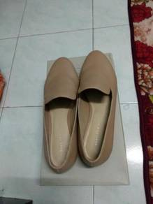 Charles and Keith casual shoes