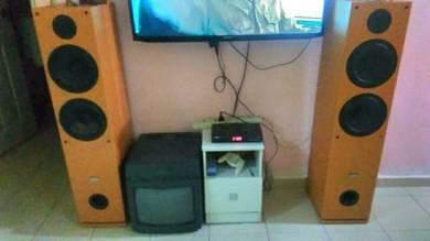 Speaker besar