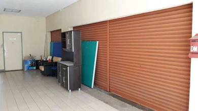 Shop lot for office or storage in OUG