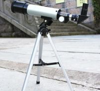 Refractive Astronomical Telescope with Tripod