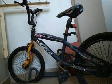 Basikal Untuk Dijual / lajak
