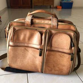 Samsonite Genuine Leather Messenger Bag