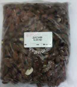 Buah kacang badam almond nut asli no gula / proses