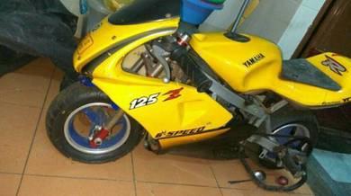 Moto kanak kanak. mini superbike