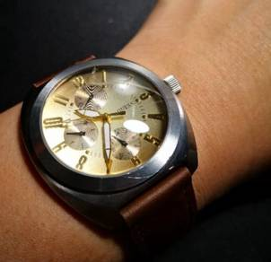 Genuine Guess Quartz watch Gold dial face