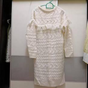 GU winter knitted dress