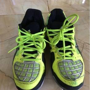 Shoes asics badminton
