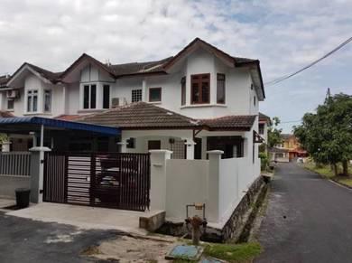 2 Sty End Lot House, Putra Perdana