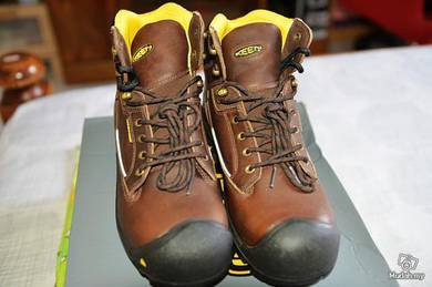 U.S. Keen full leather waterproof hiking shoes
