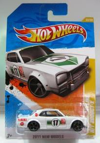 Hotwheels Nissan Skyline HT2000 GT-X #33 White