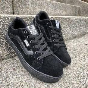 TNT all black