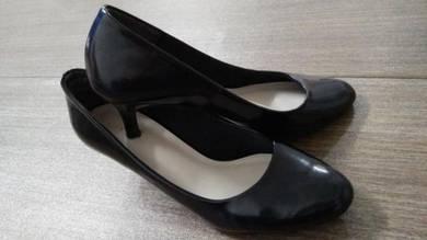 Kasut sarung heels