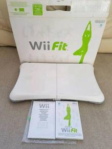Wii + 11 games inc mario kart