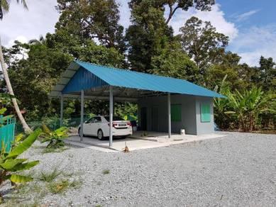 Along kukup main road land at telok kerang for sales