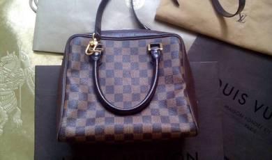 Louis Vuitton LV Beg chanel gucci prada handbag