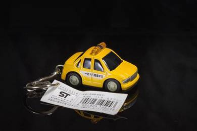 Cute diecast taxi car keychain from japan