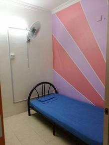 Bilik cantik & bersih fully furnished depan mcd puchong permai, lrt
