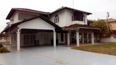 Tok Sira 2-story Bungalow Kuantan