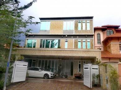 Semi-Detached 3 storey Putramas Jalan Magnesium Renovated nice