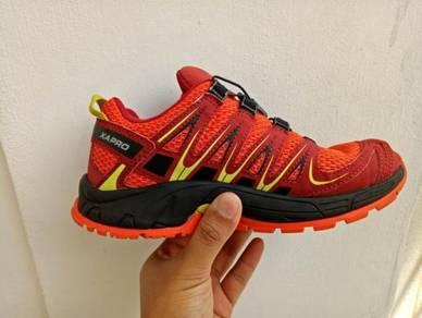 Salomon XA Pro trail running/hiking shoe