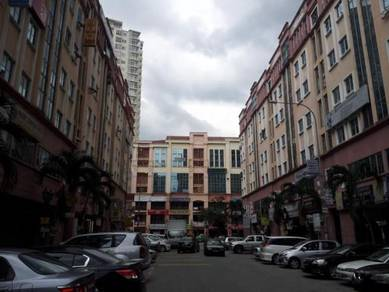 KL, Diamond Square Office, 2nd floor with lift, renovated