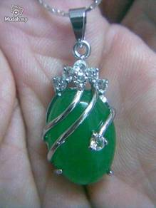 ABPJ-G004 Vogue Green Jade Silver Pendant Necklace