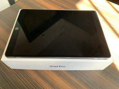 Apple iPad mini 4 Tablet