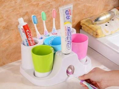 Tooth brush dispenser set