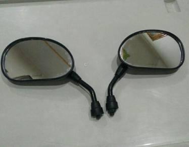 Demak side mirror