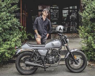 (Cafe Racer Bike) GPX Legend 150 Scamble Classic