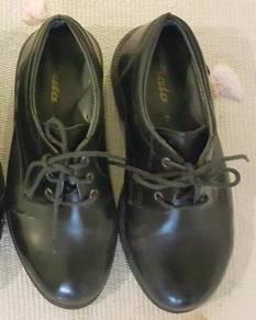 Bata black shoes student children size 2 school