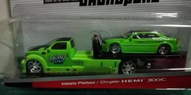 Maisto Flatbed + Chrysler HEMI 300C