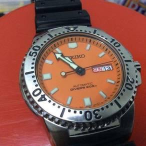 Seiko knight orange diver skxa51