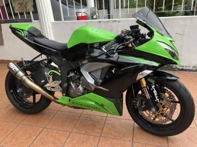 Kawasaki zx6r 636 super low milage & accessories
