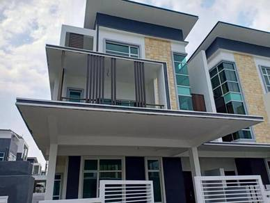 KLEBANG UTAMA 3 sty SEMI D (5 bed 5 bath) Security -NEW HOUSE