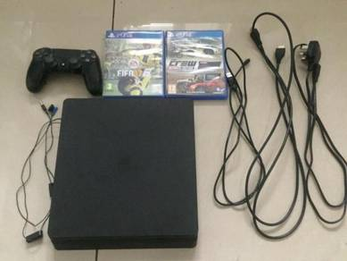 Sony PlayStation 4 (PS4) 500gb console