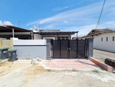 Single Storey EndLot House FOR SALE Taman Johor Jaya Jalan Teratai 37