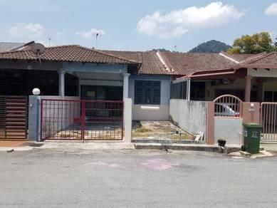 Freehold Single Storey House - Good Location, Peaceful Area