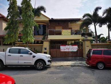 [Corner Lot] Fully Renovated Semi D With Swimming Pool Seri Kembangan